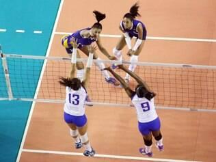 As donas da casa levaram a melhor por 3 a 1 (25/19, 26/28, 25/17 e 25/23) e chegaram a sua segunda vitória no torneio