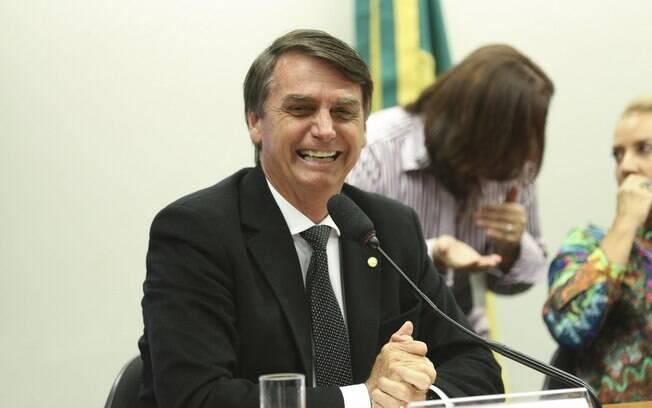 PEC do teto dos gastos públicos, que congela investimentos acima da inflação por 20 anos, teve voto favorável do presidente eleito, Jair Bolsonaro