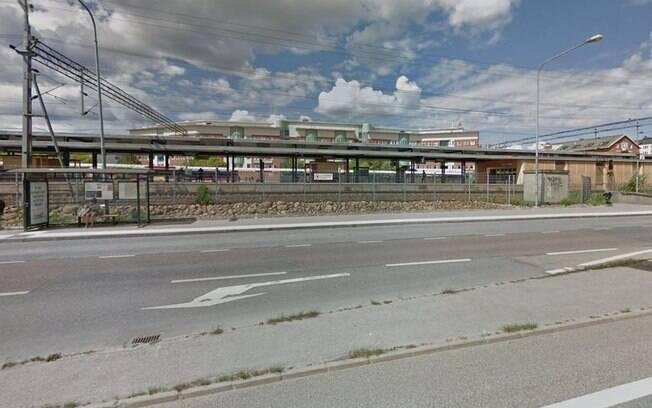 Explosão de um objeto ocorreu em frente a estação de metrô Varby Gard, nos arredores de Estocolmo