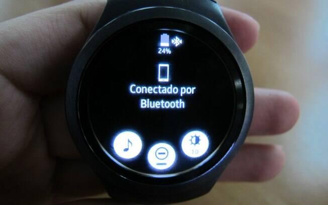 000ea82119b O dispositivo consegue se sincronizar com o celular a partir do Bluetooth.  Foto  Emily