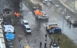 Forte explosão de carro-bomba atinge cidade turca e deixa ao menos dois mortos