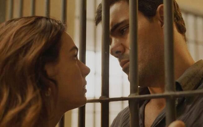 Betina (Isis Valverde) e Magno (Juliano Cazarré)