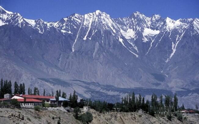 Escaladas de montanhas do Himalaia são feitas em abril e maio