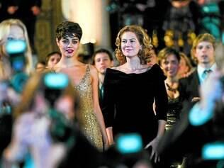 Laços. Duda (Sophie Charlotte) e Angela (Patrícia Pillar) são como mãe e filha, depois de tragédia que se abate sobre as duas
