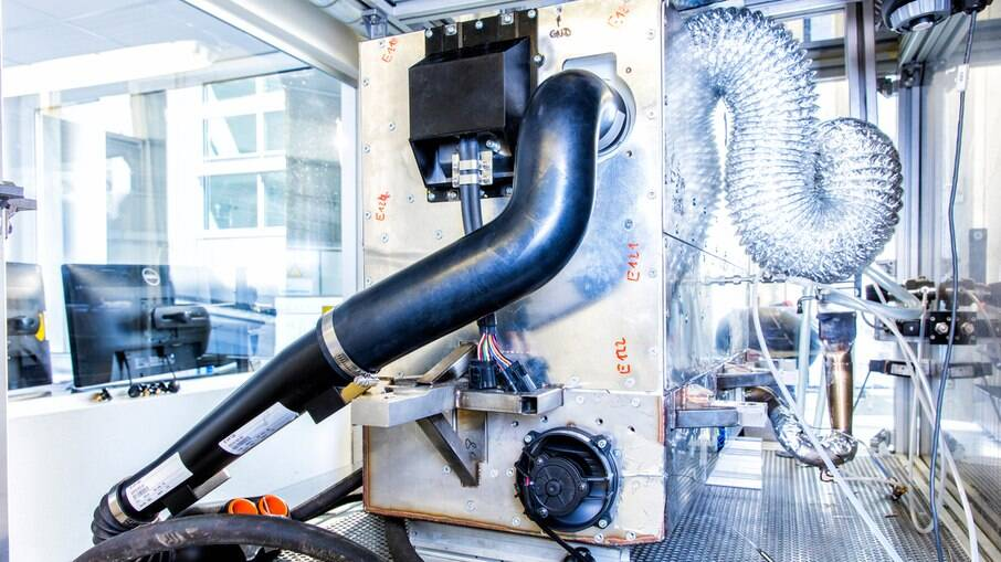 Nissan trabalha no desenvolvimento de uma célula de combustível a etanol
