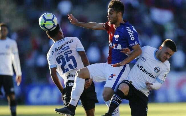 Paraná e Grêmio não saíram do zero em Curitiba; time paranaense segue sem vencer no Brasileirão