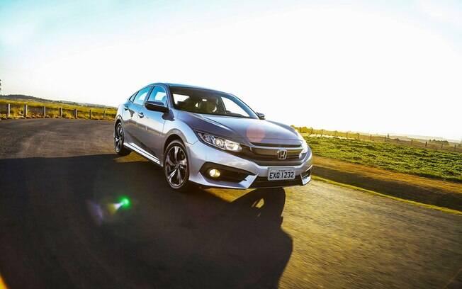 Conjunto mais bem acertado acaba tornando o Honda um carro mais agradável de dirigir que o Toyota