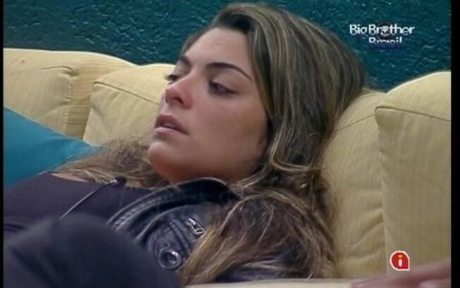 Monique chora com a proximidade do Paredão entre Yuri e João Carvalho