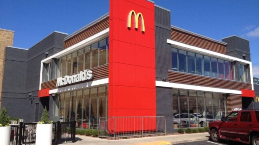 McDonald's oferecerá cursos para pessoas que não trabalham na rede de restaurantes