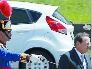 Renan Calheiros chega ao Congresso para abertura dos trabalhos