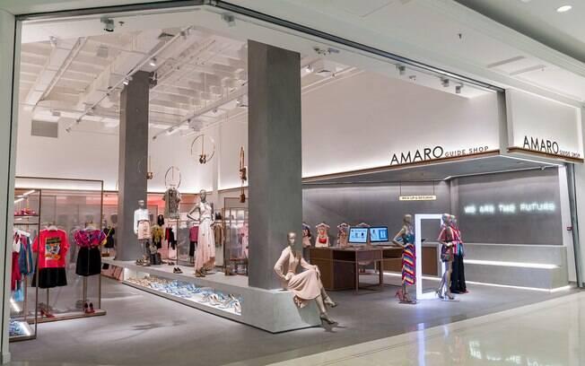 Marca de roupa direct-to-consumer líder do Brasil, AMARO dobra de faturamento em um ano, expande atuação nas redes sociais e sua rede de Guide Shops com meta ambiciosa