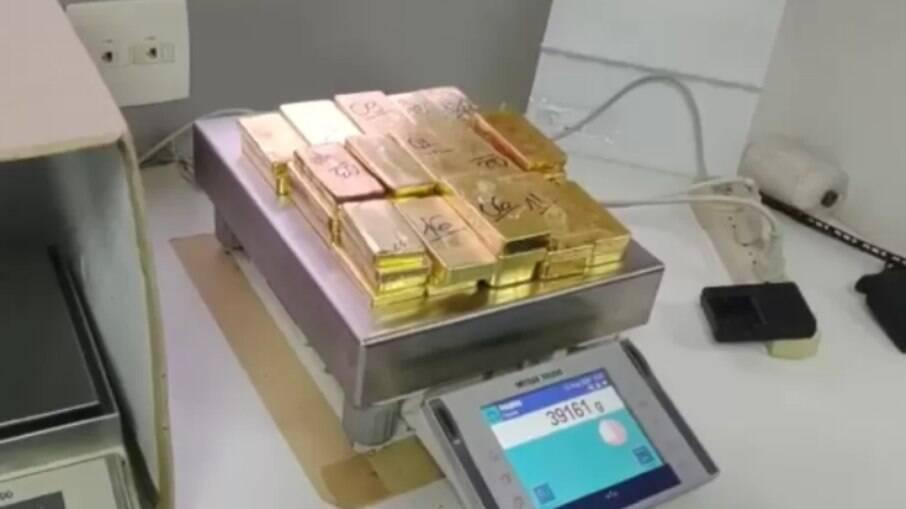Polícia Federal apreende ouro ilegal avaliado em R$ 11 milhões em aeroporto em Jundiaí (SP)