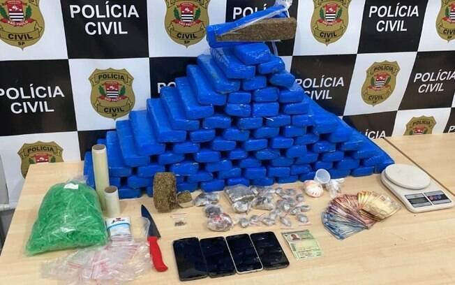 DIG encontra depósito de drogas e prende homem em Santa Bárbara