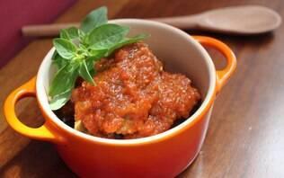 Carne de panela com batatas e cenoura