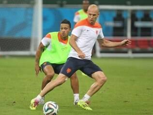 Decisivo para a Holanda, Robben não esconde satisfação de estar no Brasil