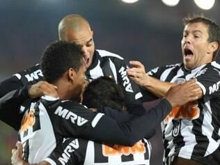 Jogadores do Atlético querem que equipe mantenha postura e parta para cima da Raposa