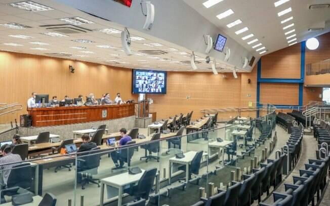 Vereadores de Campinas votam criação e extinção de cargos da Prefeitura