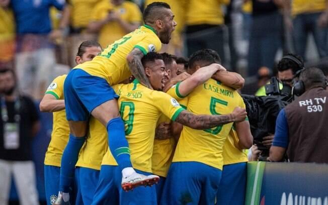 Brasil venceu o Peru e avançou como líder