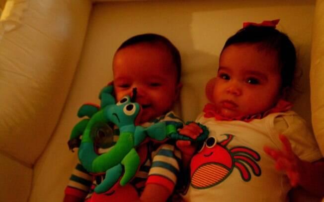 Gêmeos de Mariah Carey e Nick Cannon posaram para fotos