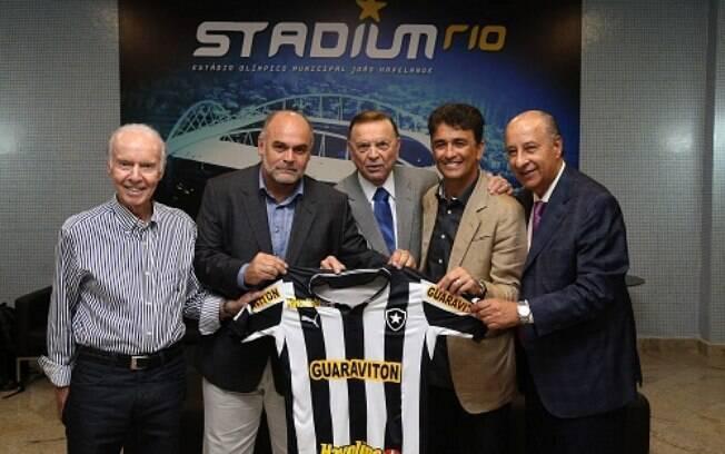O ex-treinador Zagallo (à esquerda) terá sua  estátua no Engenhão inaugurada em maio