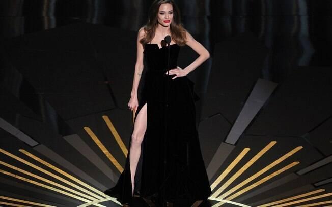 Angelina Jolie e sua perna direita: assunto virou destaque após Oscar