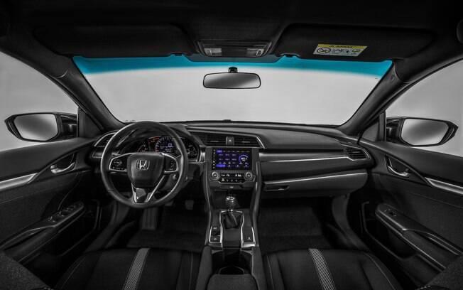 Entre as principais novidades da linha 2018 do Honda Civic, destaca-se a atualização do sistema multimídia