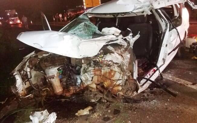 O carro de Fabinho ficou destruído