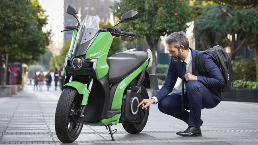Fundada há dez anos, fabricante Silence está bombando na Europa com seus scooters elétricos