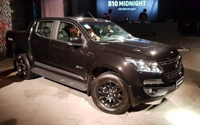 Chevrolet S10 Midnight: picape é o primeiro modelo da marca a ter logotipo pintado de preto. Outros virão em breve