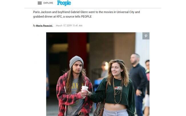 Paris Jackson é vista sorridente com o namorado depois de boatos sobre suposto suicídio