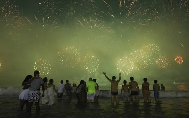 Réveillon no Rio vai acontecer, mesmo com a pandemia. Shows serão espalhados por diversos locais da cidade, disse Crivella