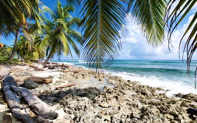 As praias do vilarejo de San Luis, na ilha de San Andrés, prometem preencher seus dias com tranquilidade. Foto: shutterstock