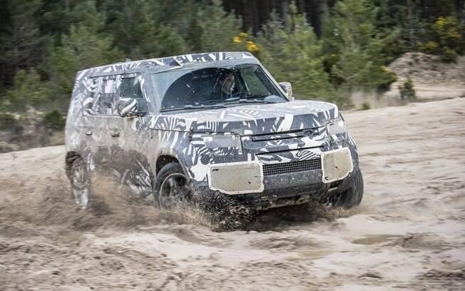 Land Rover Defender da nova geração vai manter a valentia, mas com uma série de novidades na linha 2020