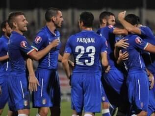Seleção italiana tem obtido bons resultados com esquema pragmático de Conte
