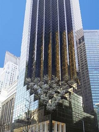A famosa Trump Tower – que tem nada menos que 68 andares em plena Quinta Avenida