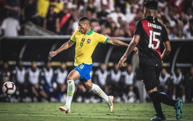 Brasil perde para o Peru em amistoso nos EUA