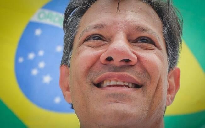 Fernando Haddad assumiu a candidatura que era de Lula à presidência e recebeu mais de 47 milhões de votos