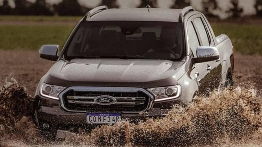Ford Ranger 2022: placa da picape que pede para o público