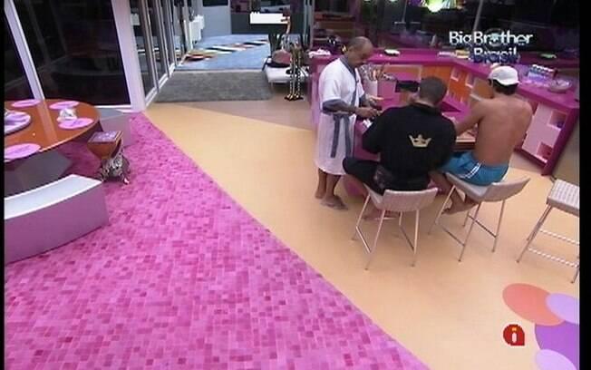 Brothers temem as surpresas que o apresentador Pedro Bial poderá falar no programa ao vivo