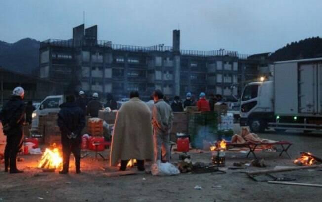 Moradores passaram a viver como refugiados em abrigo provisório