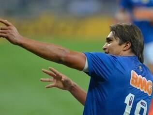 Marcelo Moreno Martins / Nascimento: 18/06/1987 / 32 jogos na temporada / Gols: 18 / Passes certos: 351 / Finalizações certas: 50 / Cartões amarelos: 1 / Cartões vermelhos: 1