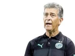 """""""Não estamos aqui para ganhar de todo o mundo. O Goiás não é candidato ao título, à Libertadores, mas para ficar no meio da tabela do campeonato."""" - Ricardo Drubscky,Técnico do Goiás"""