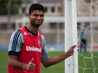 Zagueiro já havia ficado fora do treino de quarta-feira e voltou a sentir dores na perna esquerda