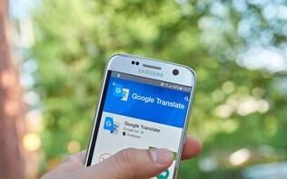 Como fazer traduções com a câmera do celular usando o Google Tradutor