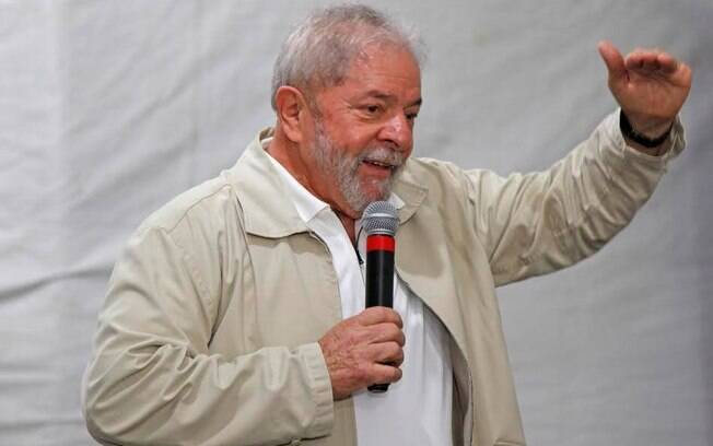 Tanto o ex-presidente Lula quanto o Partido dos Trabalhadores defendem a antecipação da eleição presidencial
