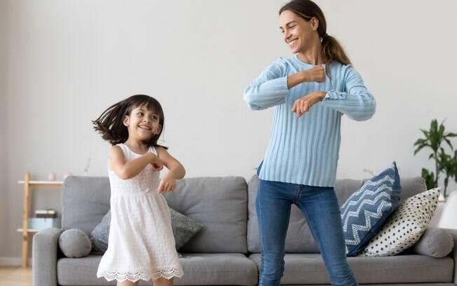 Muito além da estética: conheça os benefícios da dança para o corpo e a mente