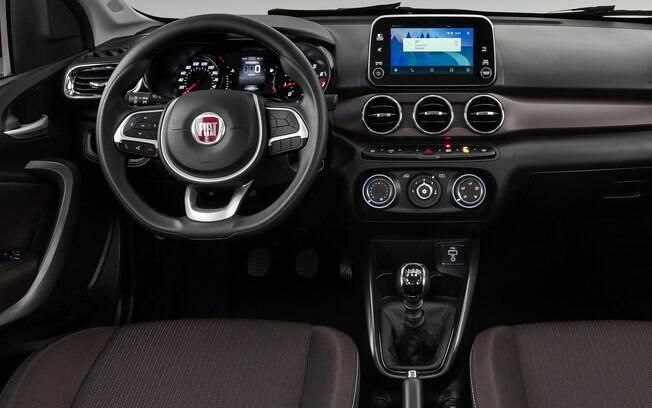 Fiat Cronos Drive 1.3 se destaca pelo bom acabamento e variedade nos materiais