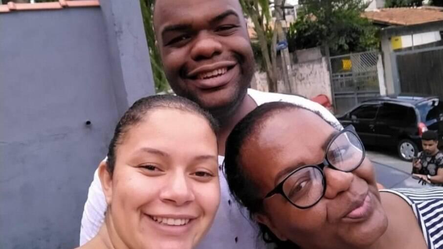 Mônica com o filho Felipe e a sobrinha Ana