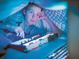 Hábito. Owen Lanahan, 15, dá um jeito de levar o computador para o quarto, uma vez que considera parte da madrugada a 'sua' hora