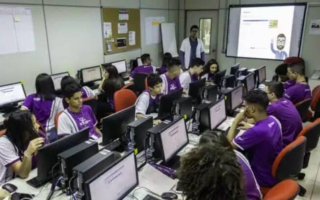 Instituto visa atrair jovens que estudam ou estudaram em escola pública